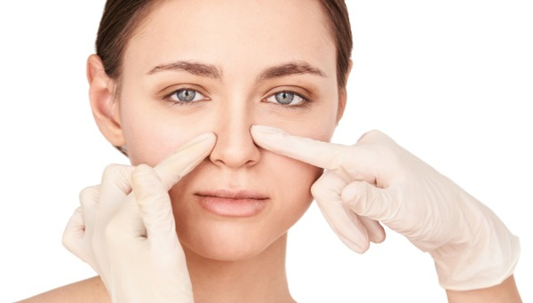 woman and nose job consultant